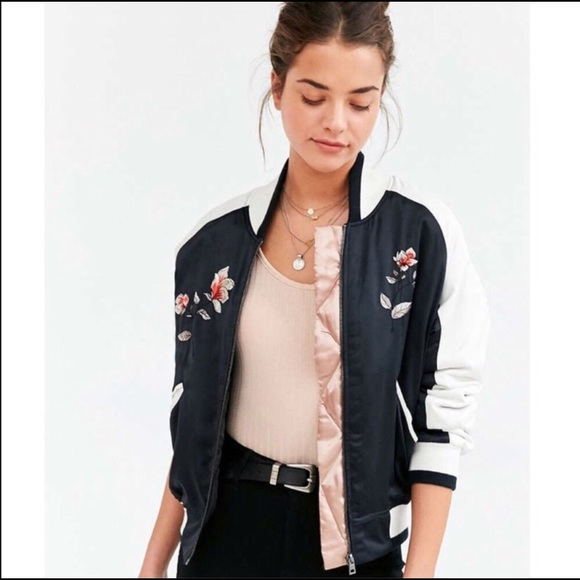 730891e58 NWOT Silence + Noise Embroidered Floral Bomber